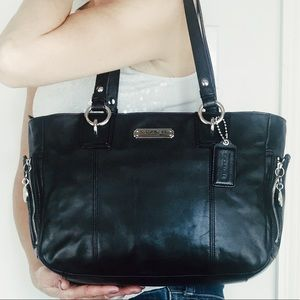 Coach Black Leather Gallery Zipper Tote Carryall
